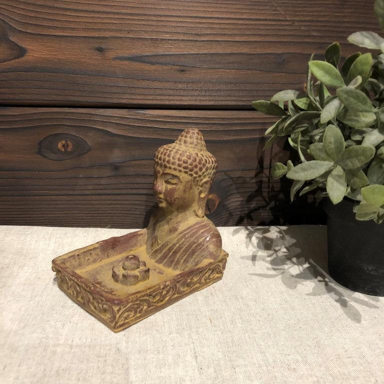 Подставка под благовония квадратная с Буддой из гипса с имитацией камня (0,2 кг, светло-коричневый)