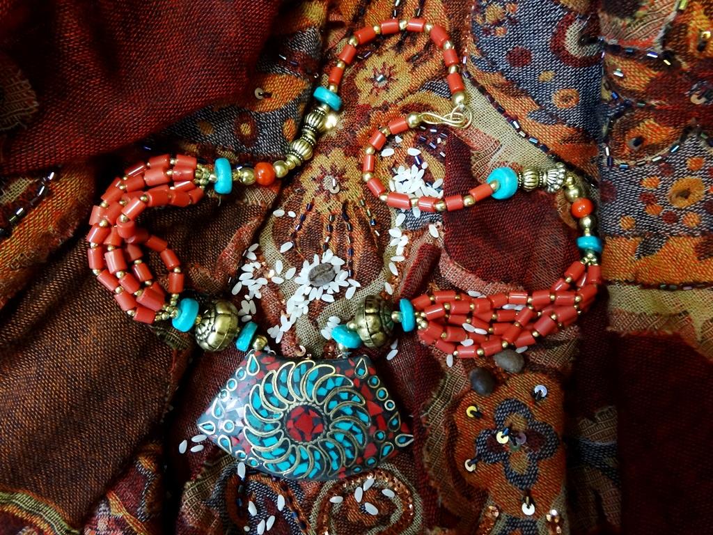 """Бусы """"Сокровища Индии"""" с прямоугольным кулоном, искусственный камень (Бусы """"Сокровища Индии"""" с прямоугольным кулоном, искусственный камень арт. 905)"""