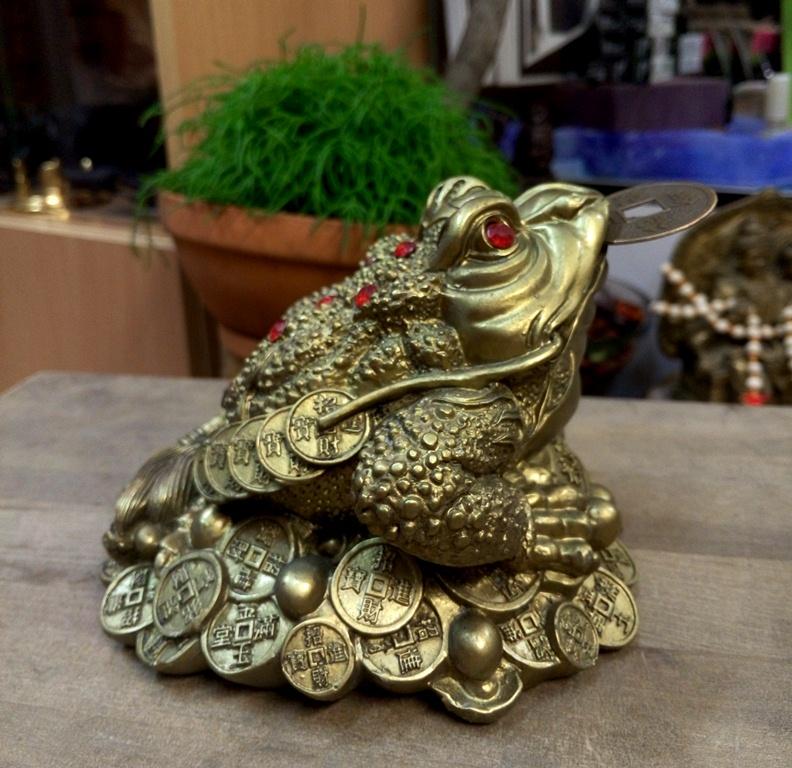 Фигурка Денежная Жаба под бронзу большая 10х13см ( 12 см 10 см ) сувенир мкт оберег для кошелька жаба на монете 1 миллион рублей