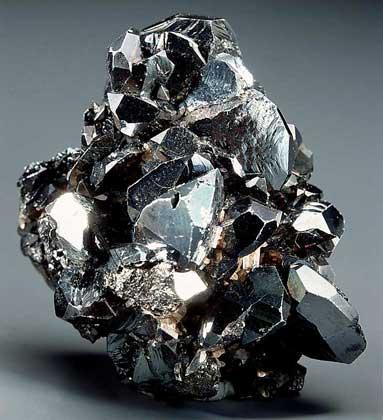 Гематит минерал/камень в коробочке Real Minerals Collection (M814-18 0.1 кг)