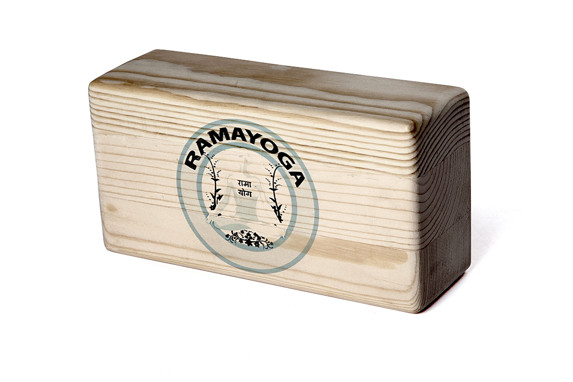 Кирпич для йоги RamaYoga из сосны шлифованный с логотипом (8 см, 23 см, ассорти, 11 см)