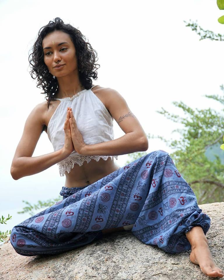 Афгани для йоги Ом хлопок ( красный 0,3 кг 42-46 ) брюки для йоги nepal style хлопок универсальные os 42 46 красный