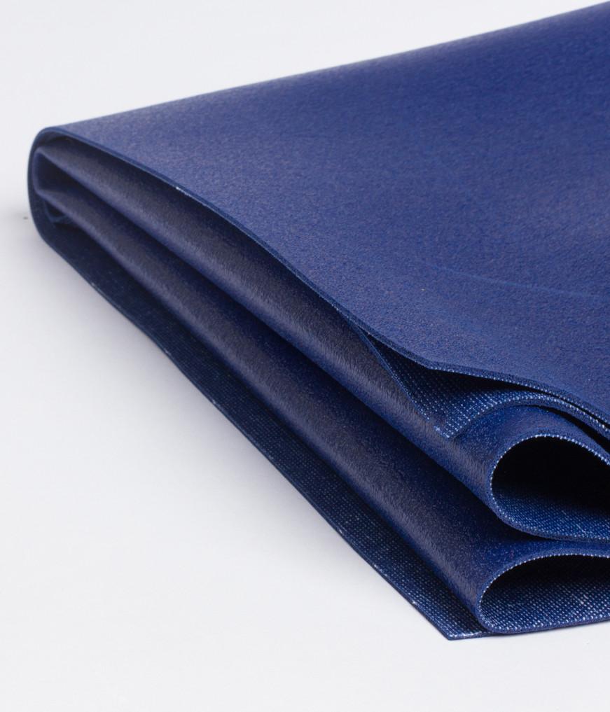 Коврик для йоги Manduka EKO SuperLite Travel Mat 1.5мм из каучука (0.9 кг, 180 см, 1.5 мм, индиго, 61см (New Moon))