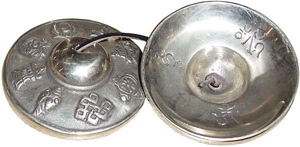 Караталы белый металл непальские 5,5см (TNG 31)