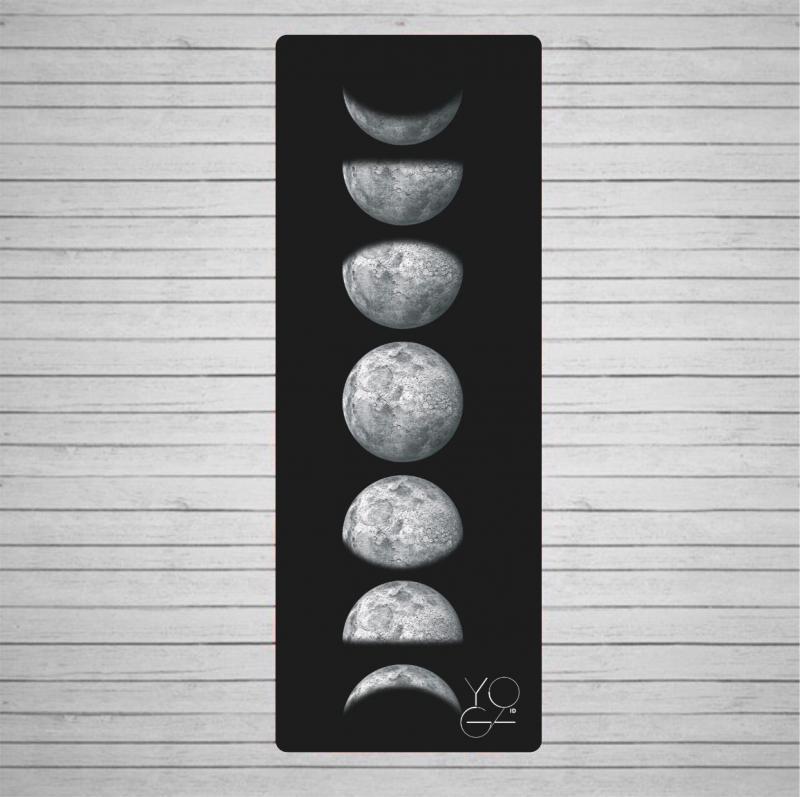 Коврик для йоги Moon Phase ID из микрофибры и каучука (3 кг, 200 см, 3 мм, черный, 60 см) коврик для йоги pro chakras yc из полиуретана и каучука 2 3 кг 185 см 4 5 мм черный 68см