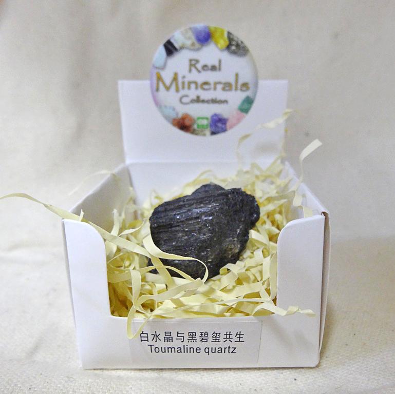Турмалин минерал/камень в коробочке Real Minerals Collection ()