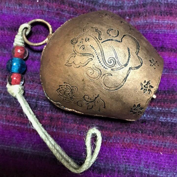 Подвеска коровьи колокольчики cow bells Ганеша / Будда 30см ( 0.5 кг )