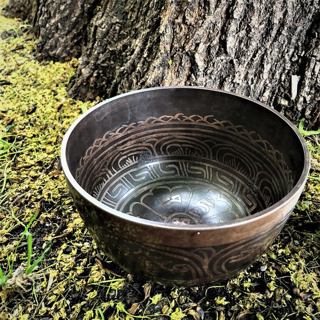 Чаша поющая медицинская бронзовая разных диаметров (MDSB04 0,35 кг, 6 см, 10,5 коричневый)