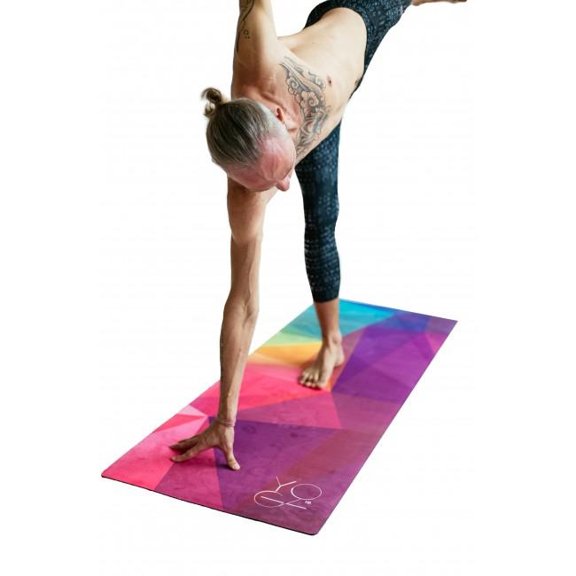Коврик для йоги Europe ID из микрофибры и каучука (2.5 кг, 175 см, 3 мм, ассорти, 61см) цена