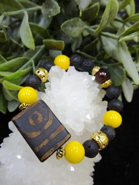 Браслет Сокровища Раджей (тибетский агат, агат желтый, лава, гранат)