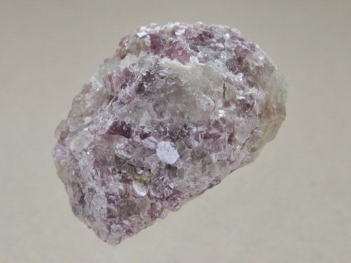Фото - Лепидолит минерал/камень в коробочке Real Minerals Collection (M814-34 0.1 кг) real madrid zalgiris kaunas
