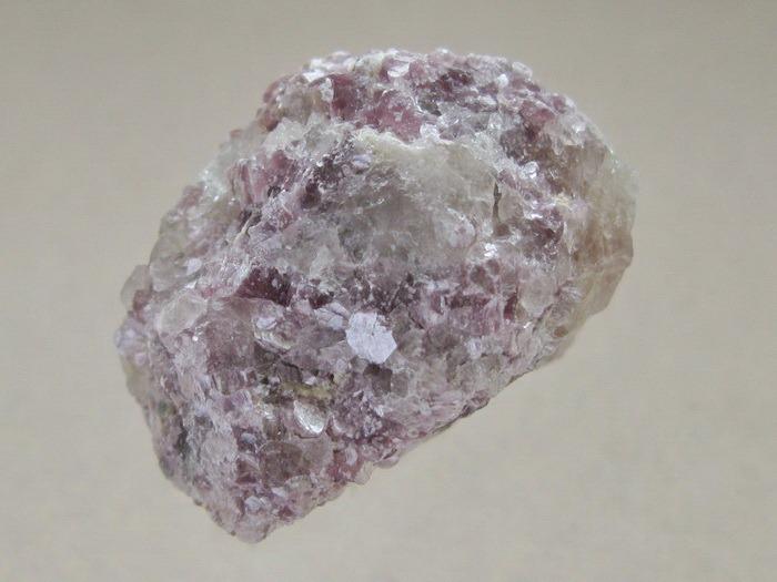 Лепидолит минерал/камень в коробочке Real Minerals Collection турмалин минерал камень в коробочке real minerals collection