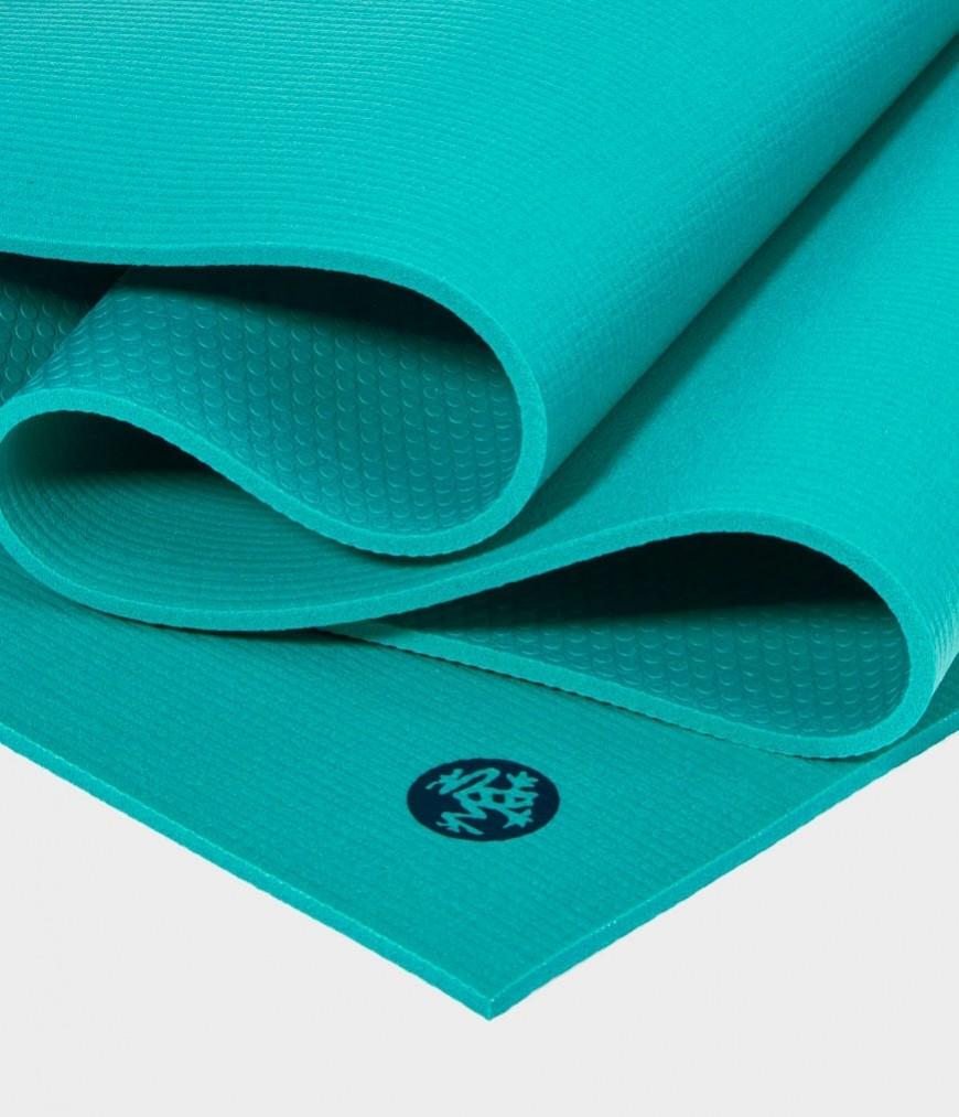 Коврик для йоги Manduka The PRO Mat 6мм (4,1 кг, 215 см, 6 мм, бирюзовый, 66см (Kyi)) коврик для йоги manduka the pro mat 6мм 3 6 кг 180 см 6 мм бирюзовый 66см harbour