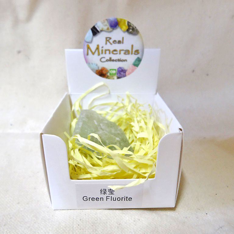 Флюорит зеленый минерал/камень в коробочке Real Minerals Collection
