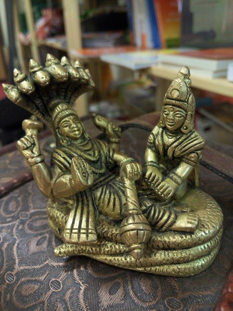 Вишну и лакшми статуэтка бронза 8х7см