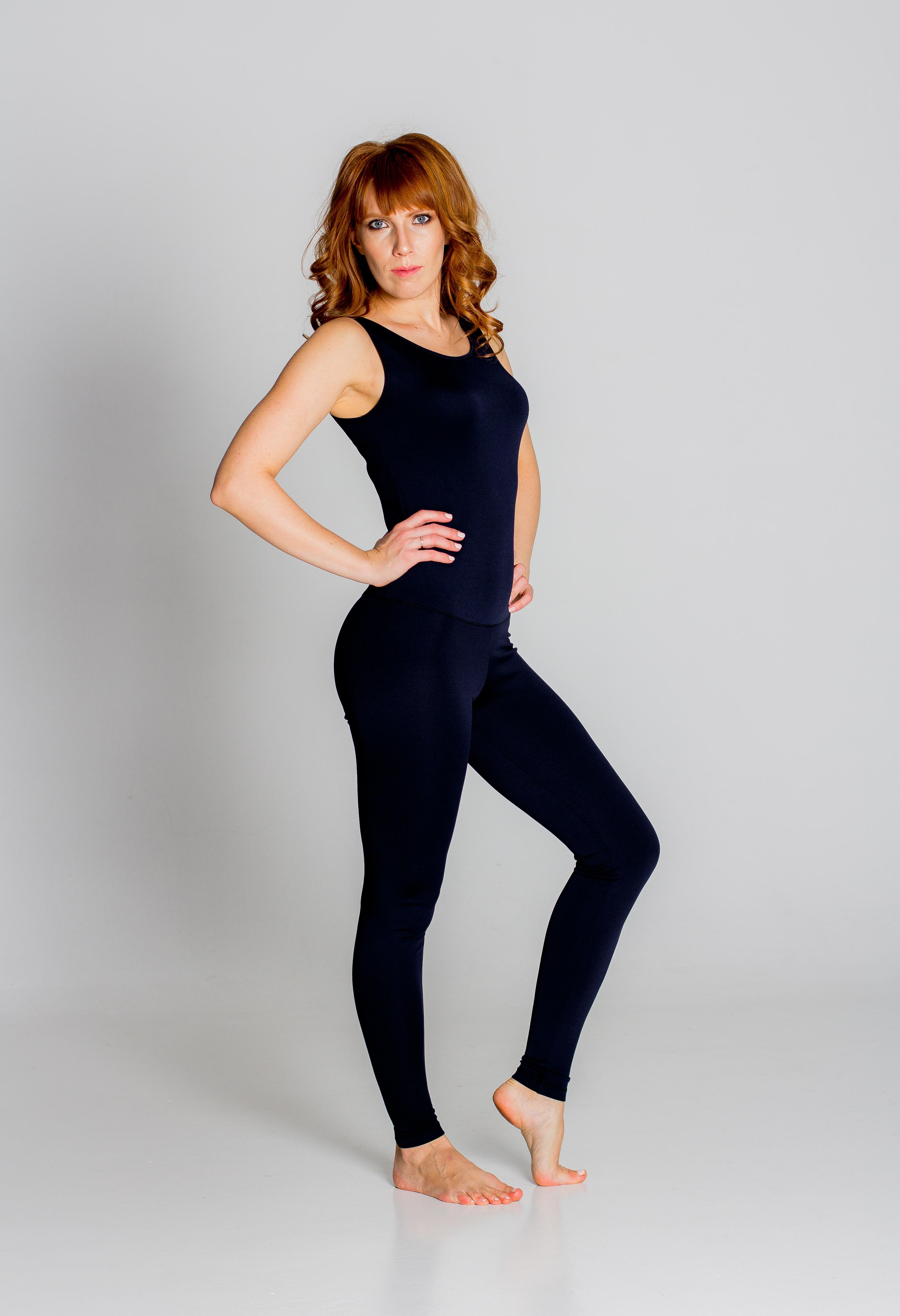 Комбинезон для йоги и фитнеса без рукавов Грация однотонная  (170см, XS(42), черный)